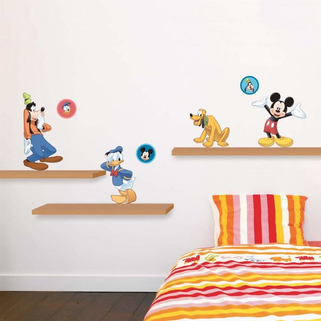 Mickey and friends wall sticker